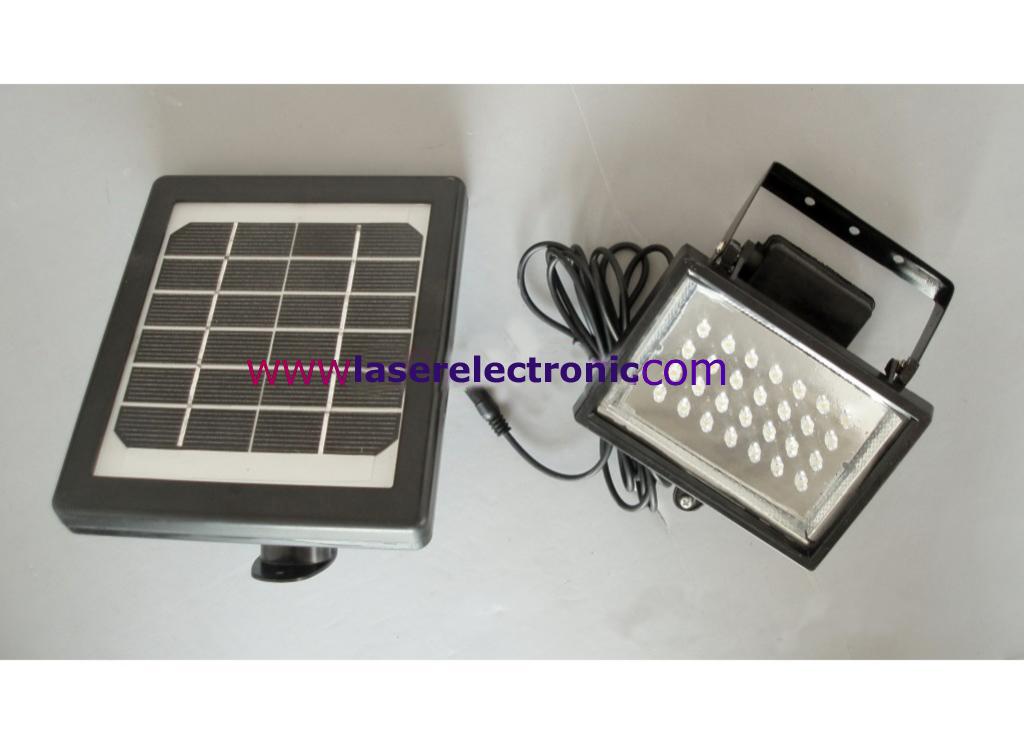 Pannello Solare Per Luce Scale : Faretto da esterno a led bianchi con pannello solare e
